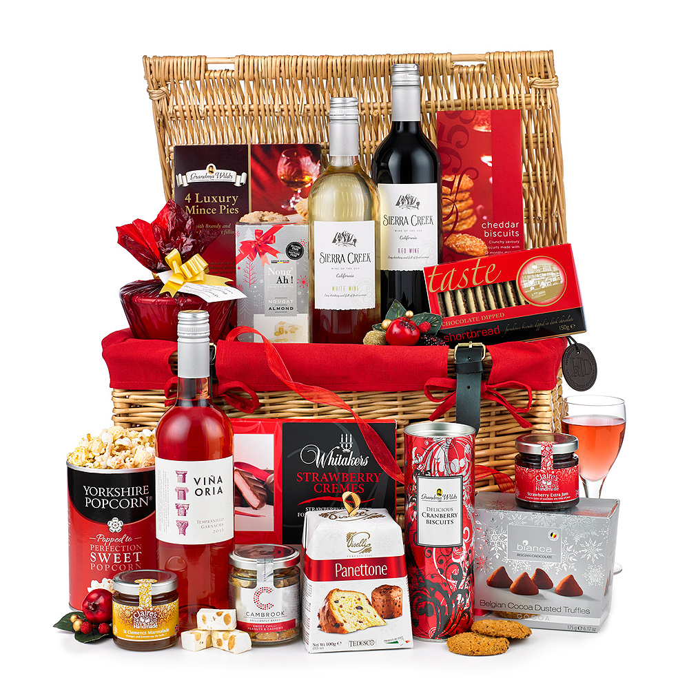 Image of This beautiful willow basket will definitely convey your festive wishes to the special people in your life this Christmas.